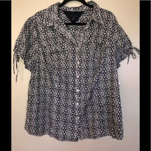 TOMMY HILFIGER PLUS BUTTON UP TOP CAP SLEEVE 22
